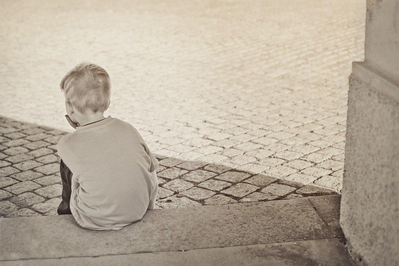 lonely, boy, child-604086.jpg